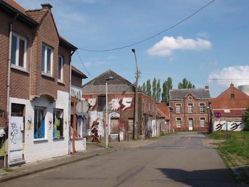 De lege straten van Doel.  Foto: Festina Lente, Inge van Hesteren